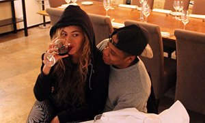 Beyonce Drinks Red Wine